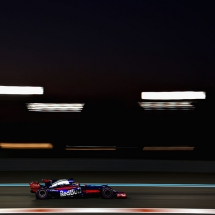 ABU DHABI, UNITED ARAB EMIRATES - NOVEMBER 24: Brendon Hartley of New Zealand driving the (28) Scuderia Toro Rosso STR12 on track during practice for the Abu Dhabi Formula One Grand Prix at Yas Marina Circuit on November 24, 2017 in Abu Dhabi, United Arab Emirates.  (Photo by Dan Istitene/Getty Images) // Getty Images / Red Bull Content Pool  // P-20171124-01373 // Usage for editorial use only // Please go to www.redbullcontentpool.com for further information. //