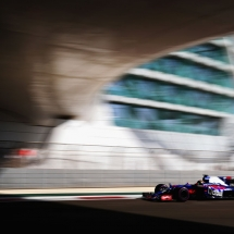 ABU DHABI, UNITED ARAB EMIRATES - NOVEMBER 25: Brendon Hartley of New Zealand driving the (28) Scuderia Toro Rosso STR12 on track during final practice for the Abu Dhabi Formula One Grand Prix at Yas Marina Circuit on November 25, 2017 in Abu Dhabi, United Arab Emirates.  (Photo by Dan Istitene/Getty Images) // Getty Images / Red Bull Content Pool  // P-20171125-00099 // Usage for editorial use only // Please go to www.redbullcontentpool.com for further information. //