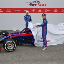 MONTMELO, SPAIN - FEBRUARY 26:  Brendon Hartley of New Zealand and Scuderia Toro Rosso and Pierre Gasly of France and Scuderia Toro Rosso unveil the Scuderia Toro Rosso STR13 Honda during day one of F1 Winter Testing at Circuit de Catalunya on February 26, 2018 in Montmelo, Spain.  (Photo by Peter Fox/Getty Images) // Getty Images / Red Bull Content Pool  // AP-1UVT5UY491W11 // Usage for editorial use only // Please go to www.redbullcontentpool.com for further information. //