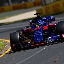 MELBOURNE, AUSTRALIA - MARCH 23: Brendon Hartley of New Zealand driving the (28) Scuderia Toro Rosso STR13 Honda on track during practice for the Australian Formula One Grand Prix at Albert Park on March 23, 2018 in Melbourne, Australia.  (Photo by Charles Coates/Getty Images) // Getty Images / Red Bull Content Pool  // AP-1V4RSZQ911W11 // Usage for editorial use only // Please go to www.redbullcontentpool.com for further information. //