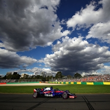 MELBOURNE, AUSTRALIA - MARCH 25: Brendon Hartley of New Zealand driving the (28) Scuderia Toro Rosso STR13 Honda on track during the Australian Formula One Grand Prix at Albert Park on March 25, 2018 in Melbourne, Australia.  (Photo by Clive Mason/Getty Images) // Getty Images / Red Bull Content Pool  // AP-1V5FEN5HS2111 // Usage for editorial use only // Please go to www.redbullcontentpool.com for further information. //