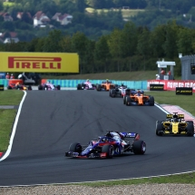 BUDAPEST, HUNGARY - JULY 29:  Brendon Hartley of New Zealand driving the (28) Scuderia Toro Rosso STR13 Honda leads Nico Hulkenberg of Germany driving the (27) Renault Sport Formula One Team RS18 on track during the Formula One Grand Prix of Hungary at Hungaroring on July 29, 2018 in Budapest, Hungary.  (Photo by Dan Istitene/Getty Images) // Getty Images / Red Bull Content Pool  // AP-1WE4FYSRD2111 // Usage for editorial use only // Please go to www.redbullcontentpool.com for further information. //