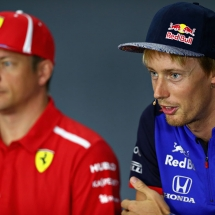SINGAPORE - SEPTEMBER 13: Brendon Hartley of New Zealand and Scuderia Toro Rosso (R) talks in the Drivers Press Conference during previews ahead of the Formula One Grand Prix of Singapore at Marina Bay Street Circuit on September 13, 2018 in Singapore.  (Photo by Lars Baron/Getty Images) // Getty Images / Red Bull Content Pool  // AP-1WVW4A9FN2511 // Usage for editorial use only // Please go to www.redbullcontentpool.com for further information. //