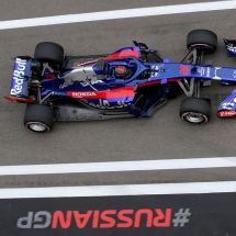SOCHI, RUSSIA - SEPTEMBER 28: Brendon Hartley of New Zealand driving the (28) Scuderia Toro Rosso STR13 Honda on track during practice for the Formula One Grand Prix of Russia at Sochi Autodrom on September 28, 2018 in Sochi, Russia.  (Photo by Charles Coates/Getty Images) // Getty Images / Red Bull Content Pool  // AP-1X1T1YR6H1W11 // Usage for editorial use only // Please go to www.redbullcontentpool.com for further information. //