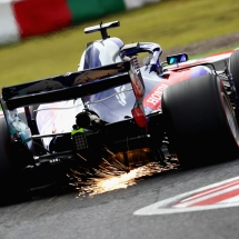 SUZUKA, JAPAN - OCTOBER 06: Sparks fly behind Brendon Hartley of New Zealand driving the (28) Scuderia Toro Rosso STR13 Honda on track during final practice for the Formula One Grand Prix of Japan at Suzuka Circuit on October 6, 2018 in Suzuka.  (Photo by Clive Rose/Getty Images) // Getty Images / Red Bull Content Pool  // AP-1X46Z9EMH1W11 // Usage for editorial use only // Please go to www.redbullcontentpool.com for further information. //