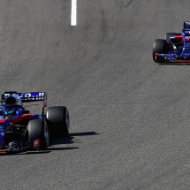 SUZUKA, JAPAN - OCTOBER 07: Brendon Hartley of New Zealand driving the (28) Scuderia Toro Rosso STR13 Honda leads Pierre Gasly of France and Scuderia Toro Rosso driving the (10) Scuderia Toro Rosso STR13 Honda on the parade lap before the Formula One Grand Prix of Japan at Suzuka Circuit on October 7, 2018 in Suzuka.  (Photo by Mark Thompson/Getty Images) // Getty Images / Red Bull Content Pool  // AP-1X4KGVFJ12511 // Usage for editorial use only // Please go to www.redbullcontentpool.com for further information. //