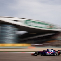 SHANGHAI, CHINA - APRIL 15: Brendon Hartley of New Zealand driving the (28) Scuderia Toro Rosso STR13 Honda on track during the Formula One Grand Prix of China at Shanghai International Circuit on April 15, 2018 in Shanghai, China.  (Photo by Lars Baron/Getty Images) // Getty Images / Red Bull Content Pool  // AP-1VC9T2AHS2111 // Usage for editorial use only // Please go to www.redbullcontentpool.com for further information. //