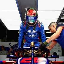 MONTMELO, SPAIN - MAY 11:  Brendon Hartley of New Zealand and Scuderia Toro Rosso prepares to drive in the garage during practice for the Spanish Formula One Grand Prix at Circuit de Catalunya on May 11, 2018 in Montmelo, Spain.  (Photo by Dan Istitene/Getty Images) // Getty Images / Red Bull Content Pool  // AP-1VMMVG7YD2111 // Usage for editorial use only // Please go to www.redbullcontentpool.com for further information. //